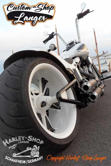 Softail Cross Bones Umbau Kontrast Custombike